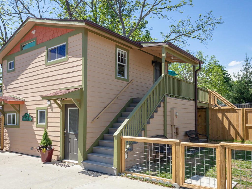 Pet Friendly 5 Star Rated Vacation Rentals Home